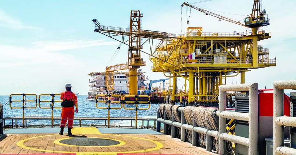 سوق النفط في الإمارات